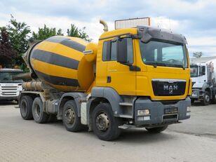 Liebherr  en el chasis MAN TGS 32.400 camión hormigonera