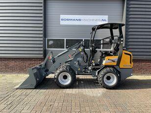 GIANT G2300 HD minishovel / kniklader NIEUW €465 LEASE cargadora de ruedas nueva