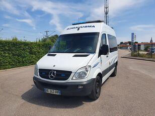 MERCEDES-BENZ SPRINTER 216 CDI ambulancia